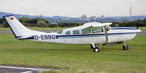 Cessna 207 Skywagon Ground Power Equipment