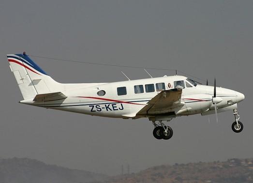 Hawker Beechcraft Queen Air Ground Power Equipment